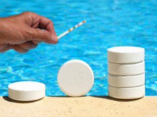 //p.kwikweb.co.za/poolware/photos/pool chemicals box.png